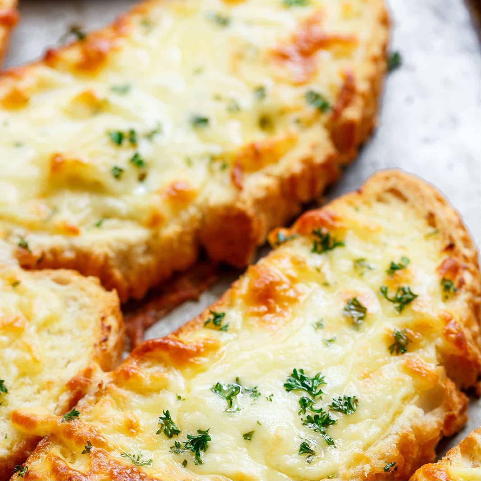 Pan de ajo con mozzarella
